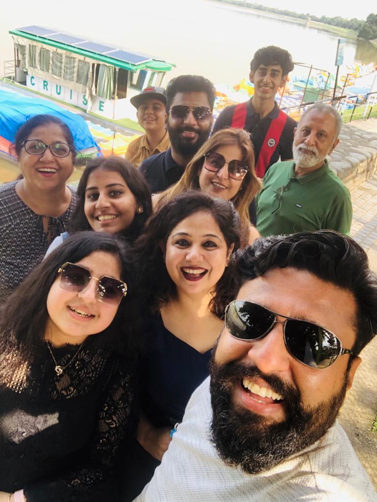 Manjit Sargam Chawla Family